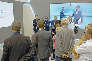 Politicians visit OPTIMA booth